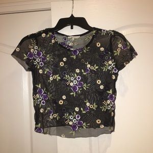 Urban outfitters cropped lace shirt size small